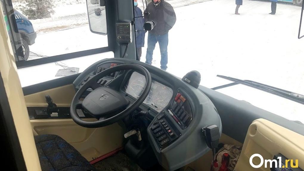 Водителям, судимым за тяжкие преступления, запретят работать в такси и на городском транспорте