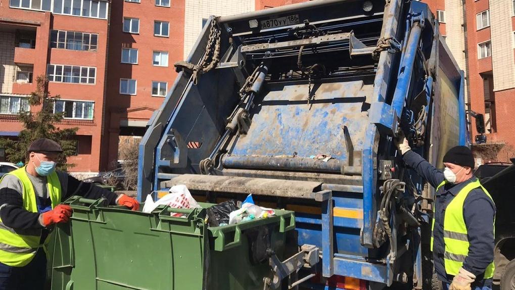 «Трудимся дотемна, ураганом нас не напугать»: мусорный регоператор прокомментировал работу после стихии