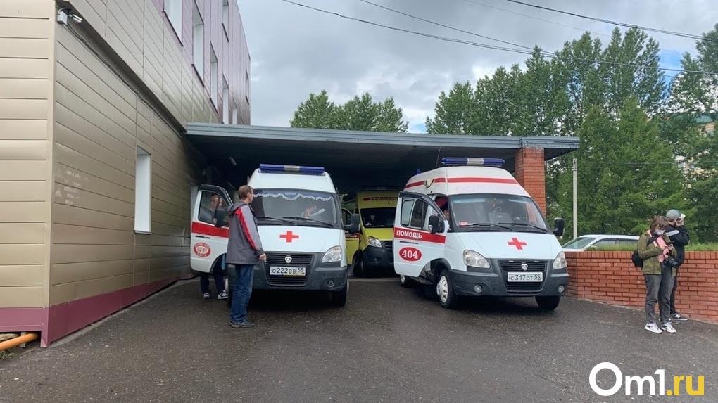 Сотрудница БСМП-1 рассказала, как омским врачам не давали спасать Навального