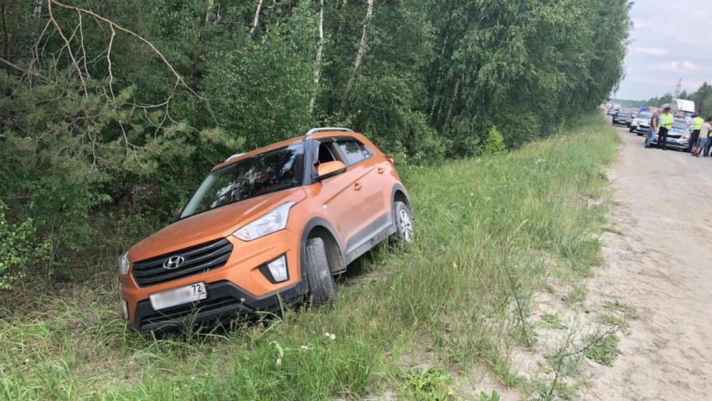 Натрассе Омск — Тюмень грузовик насмерть сбил просившего опомощи пешехода