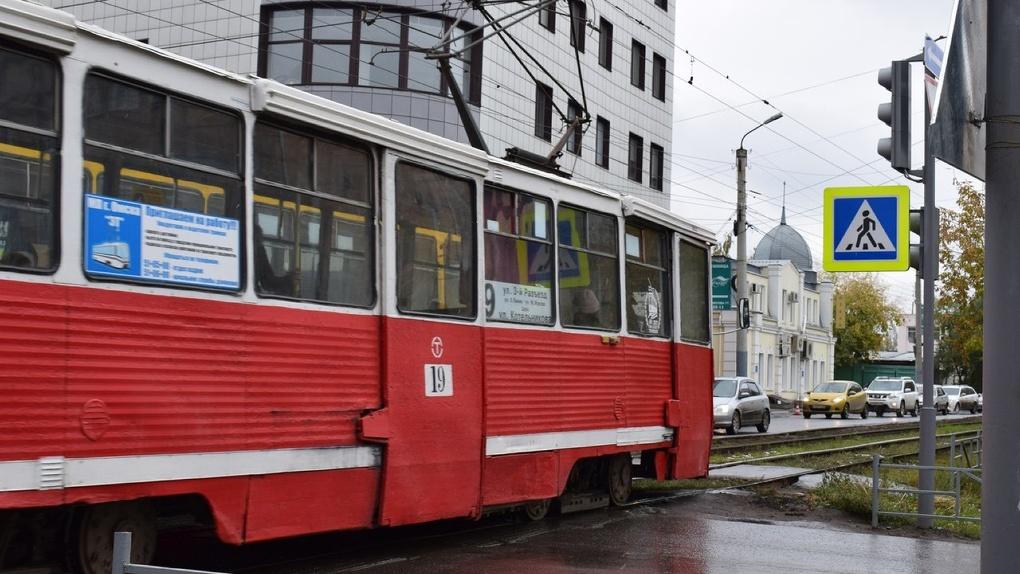 Самым безопасным омским транспортом стали трамваи