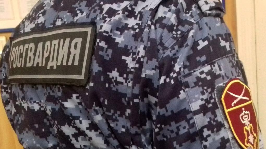 Матерился и приставал к постояльцам: омич устроил дебош в гостинице в Таганроге