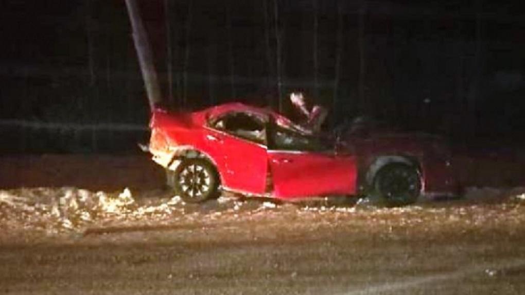 Страшная авария в Новосибирской области: двое мужчин погибли при столкновении машины с фонарным столбом