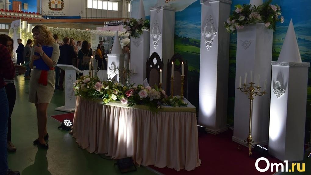 Сотрудники региональной безопасности обнаружили в Омске «подпольную» свадьбу