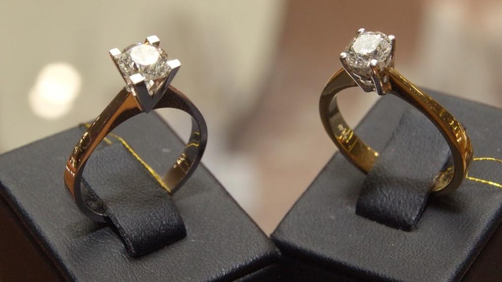Двух новосибирцев судят за кражу колумбийских кристаллов и бразильских изумрудов на полмиллиарда рублей