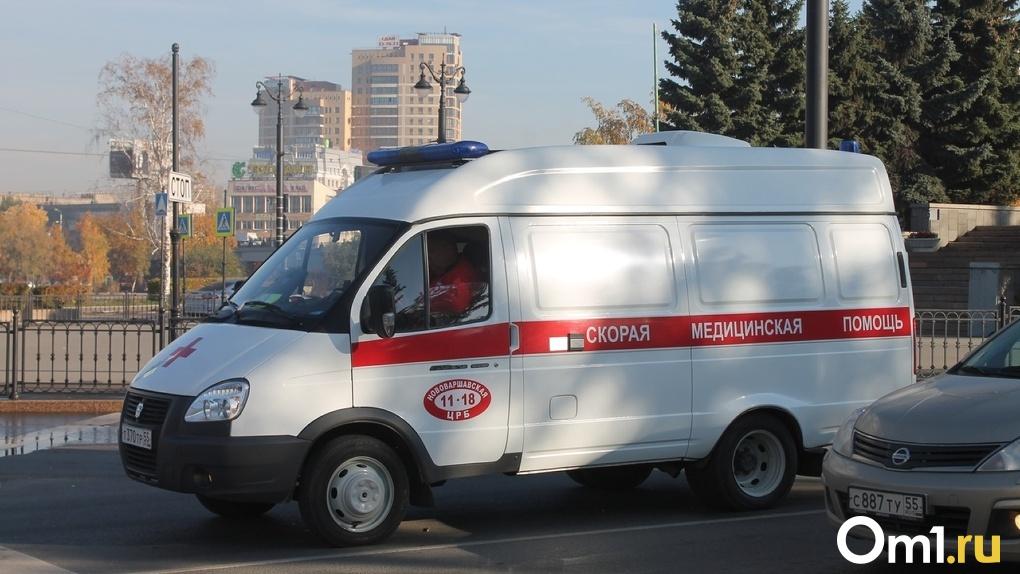 Ночью в Омске насмерть сбили отца троих маленьких детей