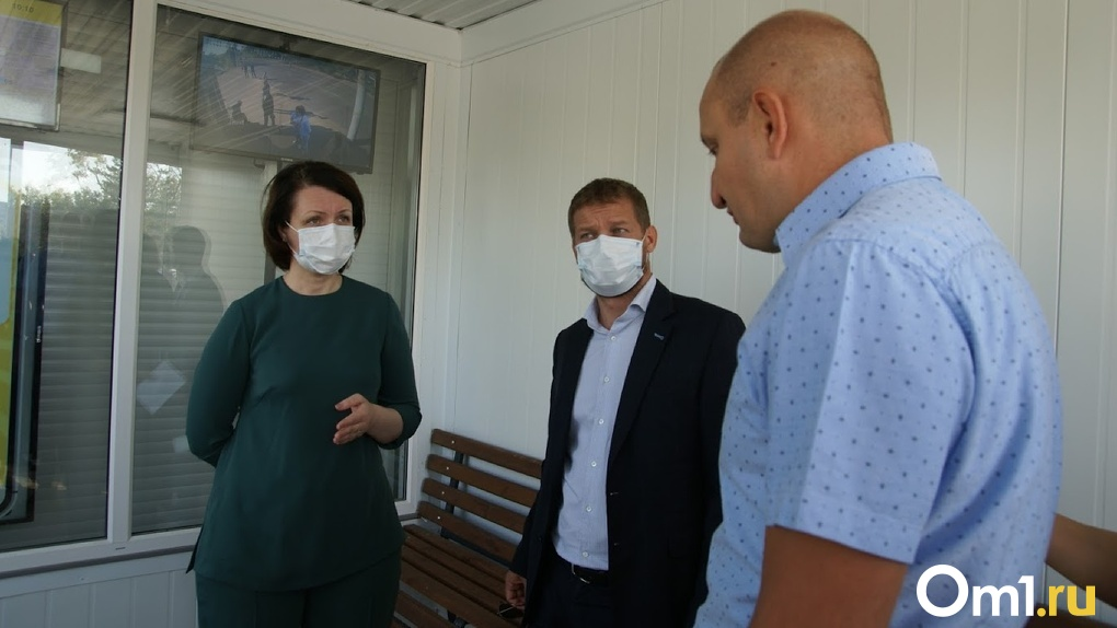 «Как в консервной банке»: Оксана Фадина попросила установить кондиционеры на новых омских остановках