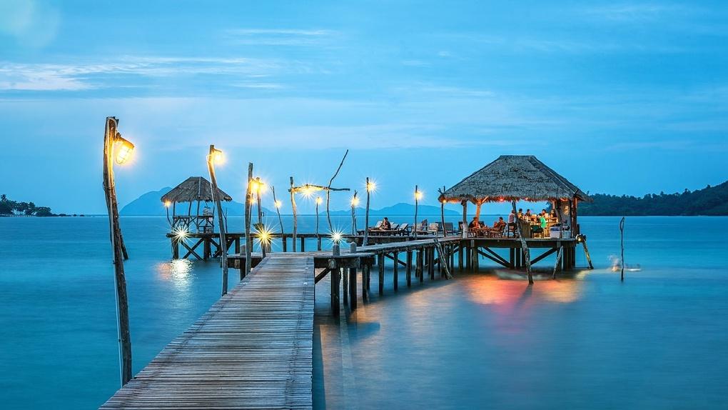 Застрявшим в Таиланде туристам платят по 72 тысячи рублей в месяц