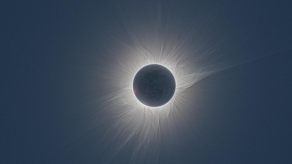 Омичи смогут увидеть корону солнечного затмения, которое случится сегодня в небе над Чили и Аргентиной