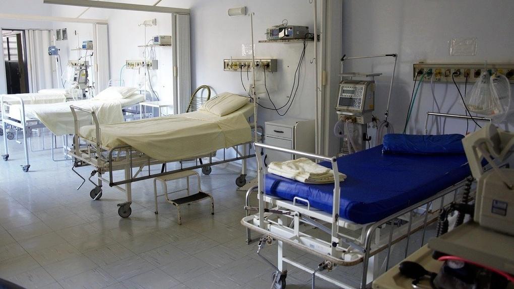 Почти тысячу дополнительных коек для больных коронавирусом развернут в Новосибирской области