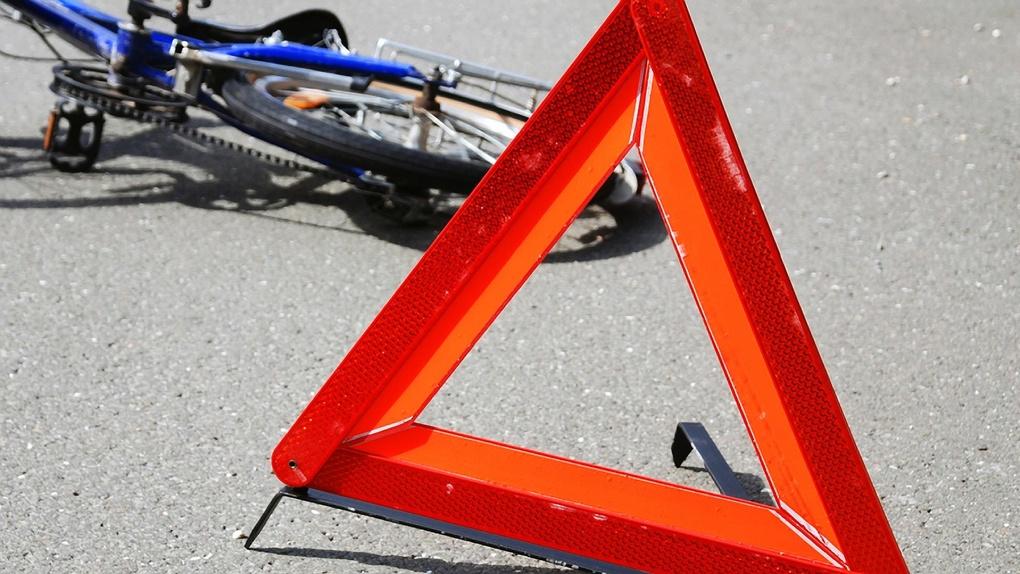 В Омске молодой водитель сбил велосипедиста