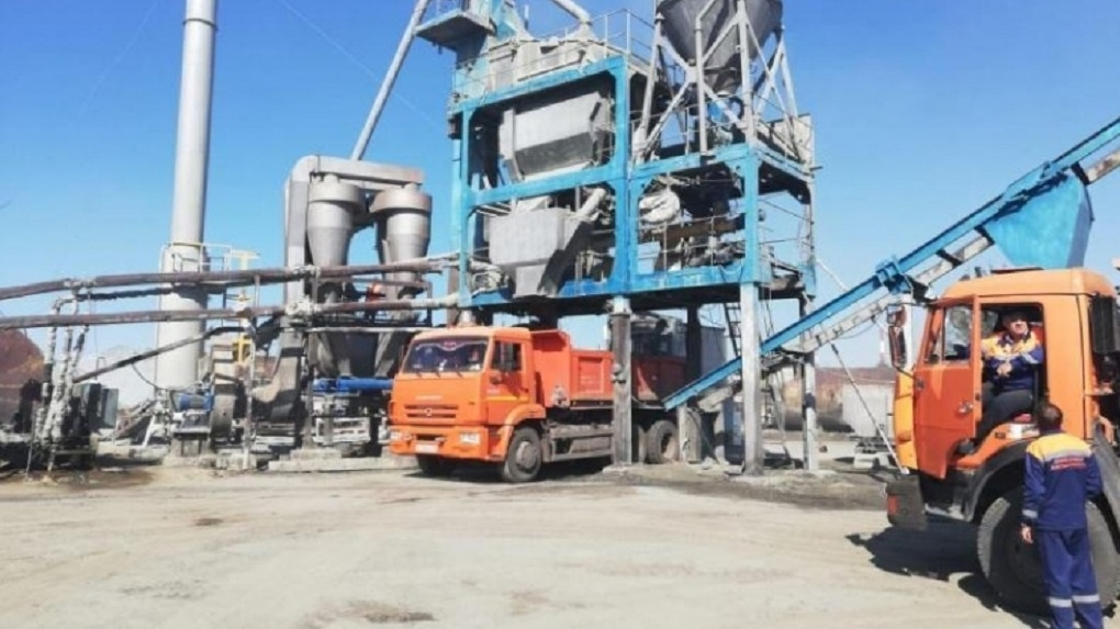 Закрытый в начале года завод в Омске стал экологичнее и вновь начал производить асфальт