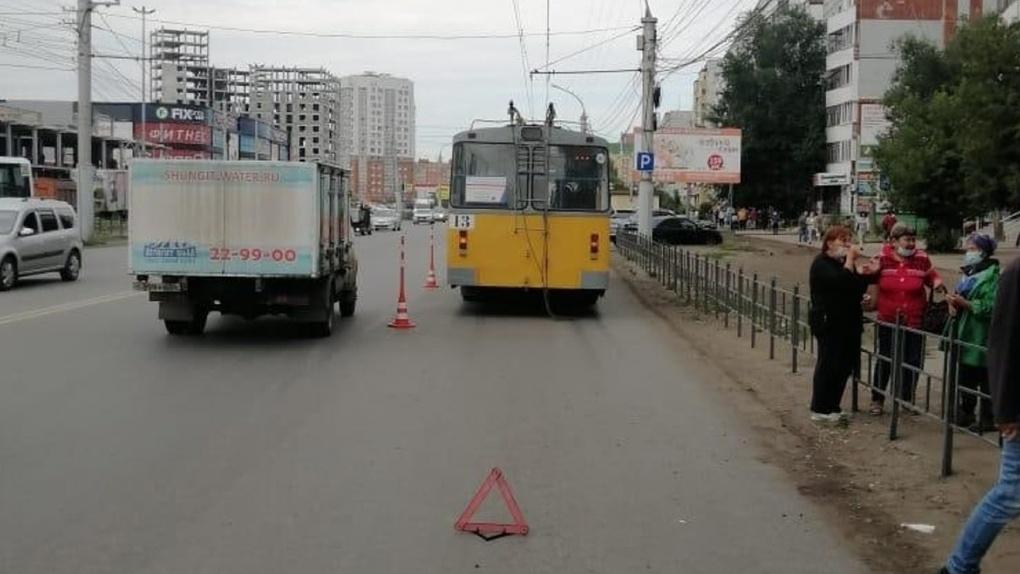 Сбитая троллейбусом женщина скончалась в больнице