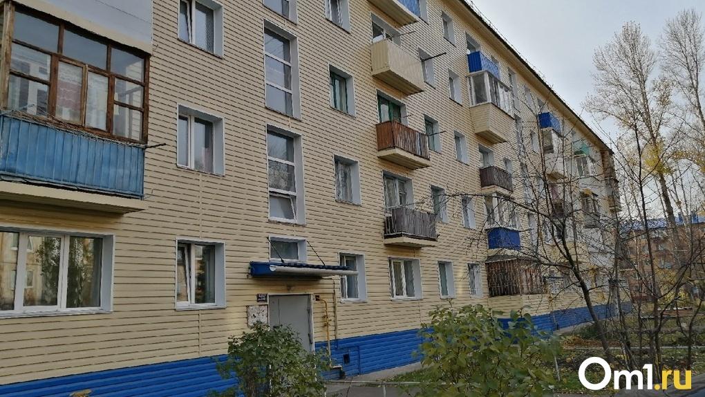«Оперативно и быстро». АО «Омскэлектро» заканчивает ремонт омских домов