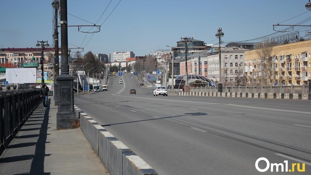 В Омске приступили к нанесению разметки на дорогах