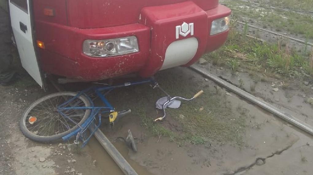 В Новосибирске трамвай сбил 9-летнего велосипедиста