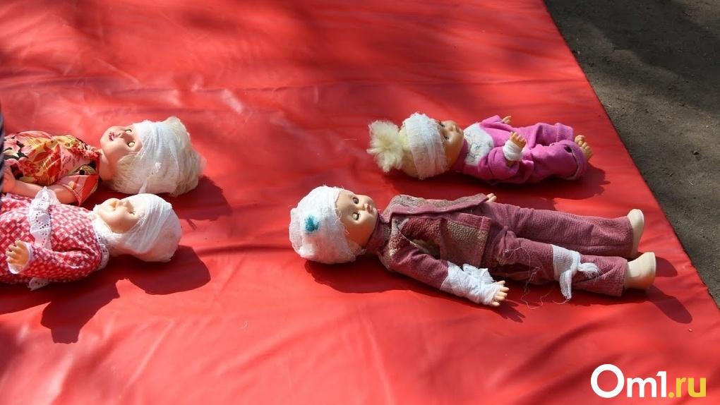 Проткнутый живот и перелом. Двое 5-летних омичей попали в больницу