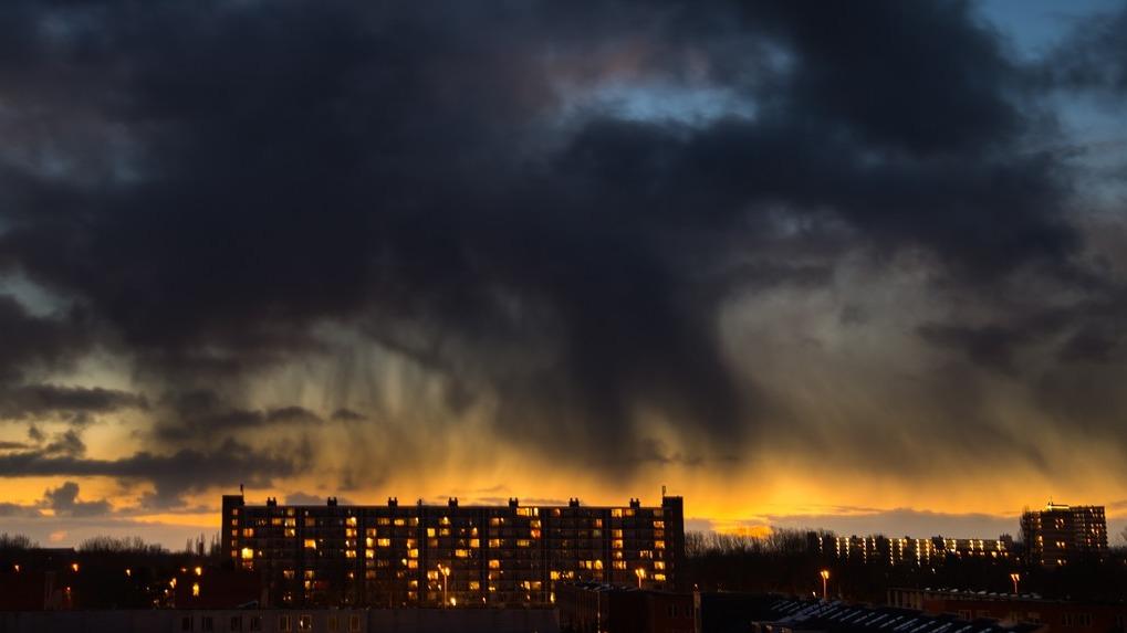 На Новосибирск надвигается штормовой ветер