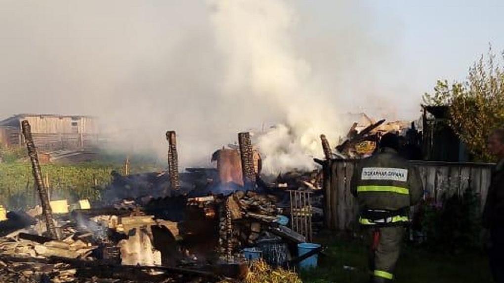 Два человека сгорели в частном доме в Новосибирской области