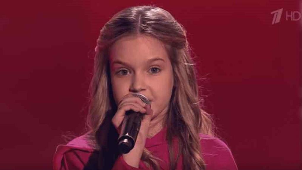 10-летняя певица из Новосибирска спела про «лабутены» в шоу «Голос.Дети» и покорила всех членов жюри
