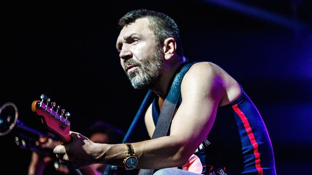 Суд обязал Сергея Шнурова выплатить штраф за мат на концерте в Новосибирске