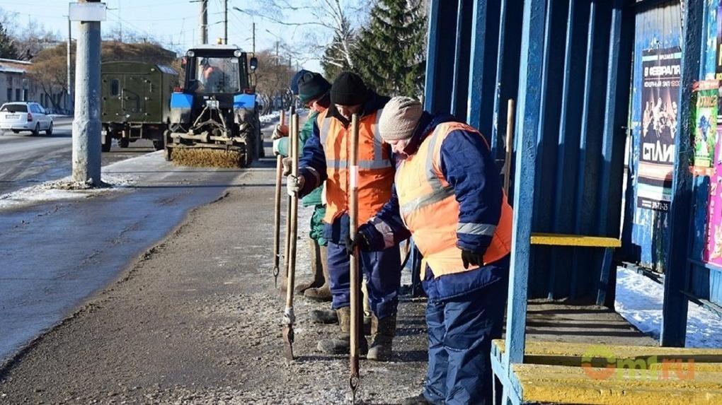 Бурков раскритиковал омскую мэрию за плохую уборку снега