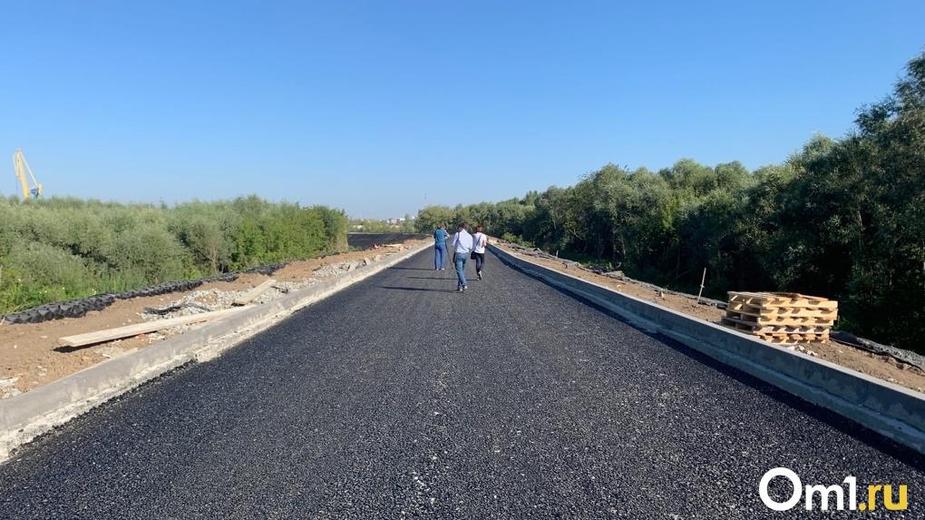 Узкий участок дороги-дублёра на Левобережье в Омске могут всё-таки расширить