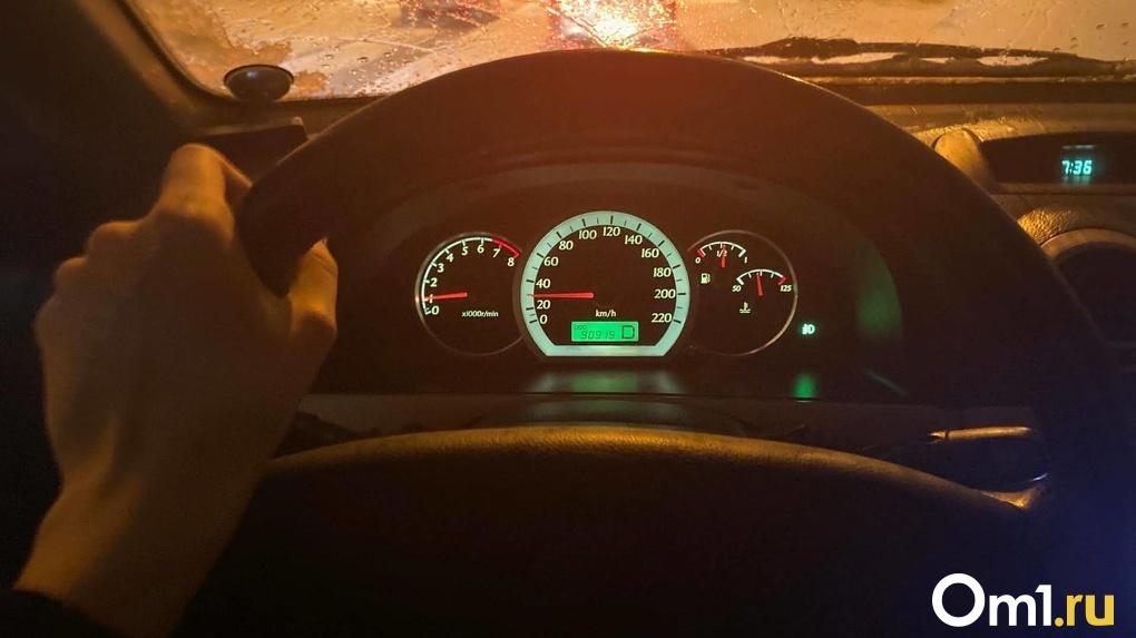 Дефицит авто! Места в очереди на покупку машин продают в Новосибирске за крупные суммы