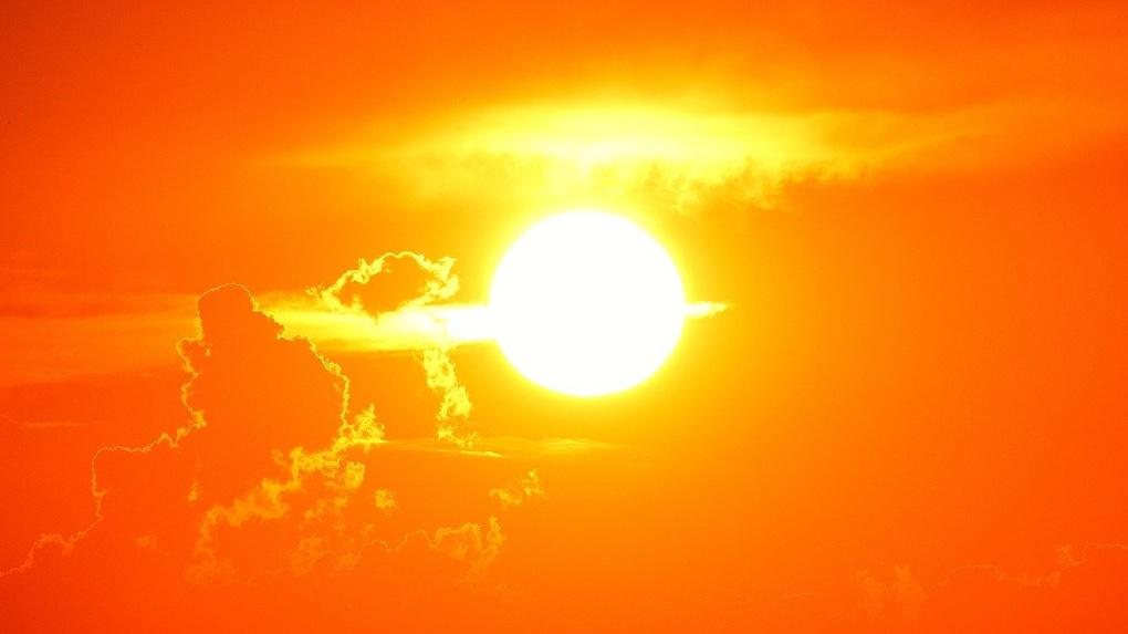 Внимание, «красная зона»! Новосибирцев предупреждают об «опасном солнце»
