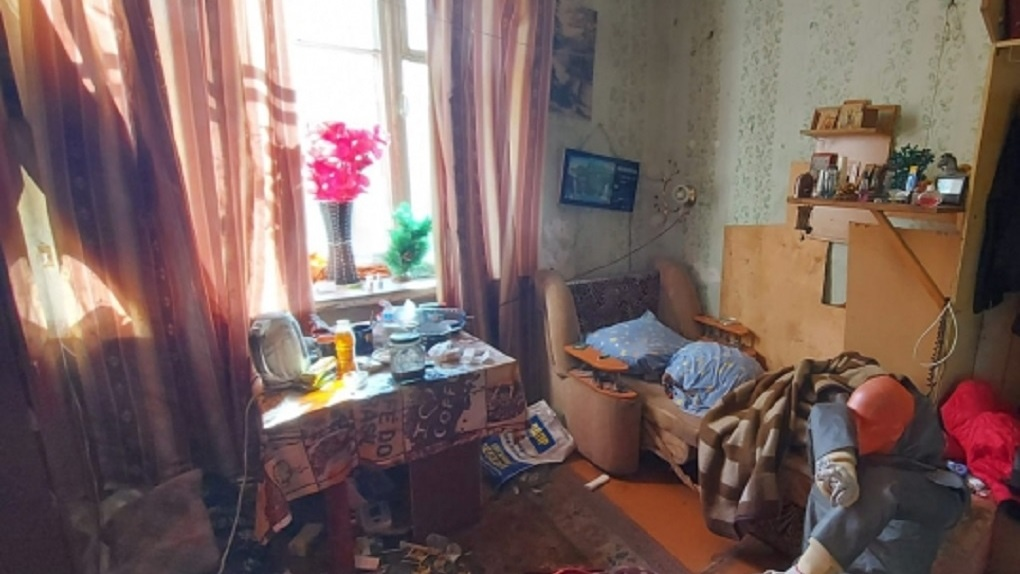 Восемь ударов ножом: ранее судимая жительница Новосибирска жестоко расправилась с сожителем