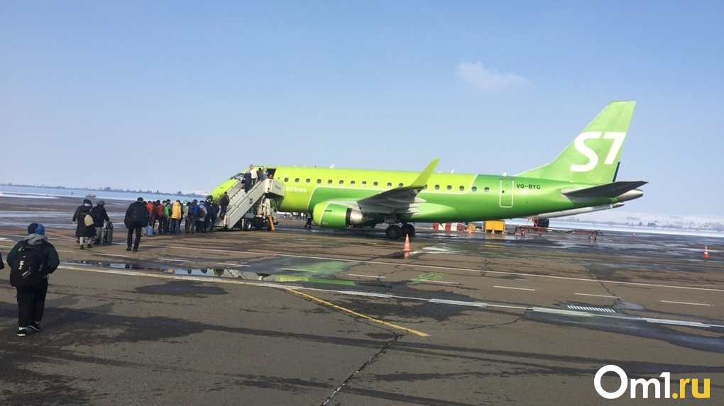 76 человек застряли в Иркутске из-за неисправности самолёта новосибирской авиакомпании