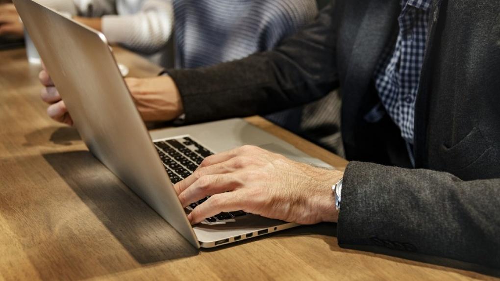 Эксперты Альфа-банка считают, что понятие «место работы» со временем исчезнет