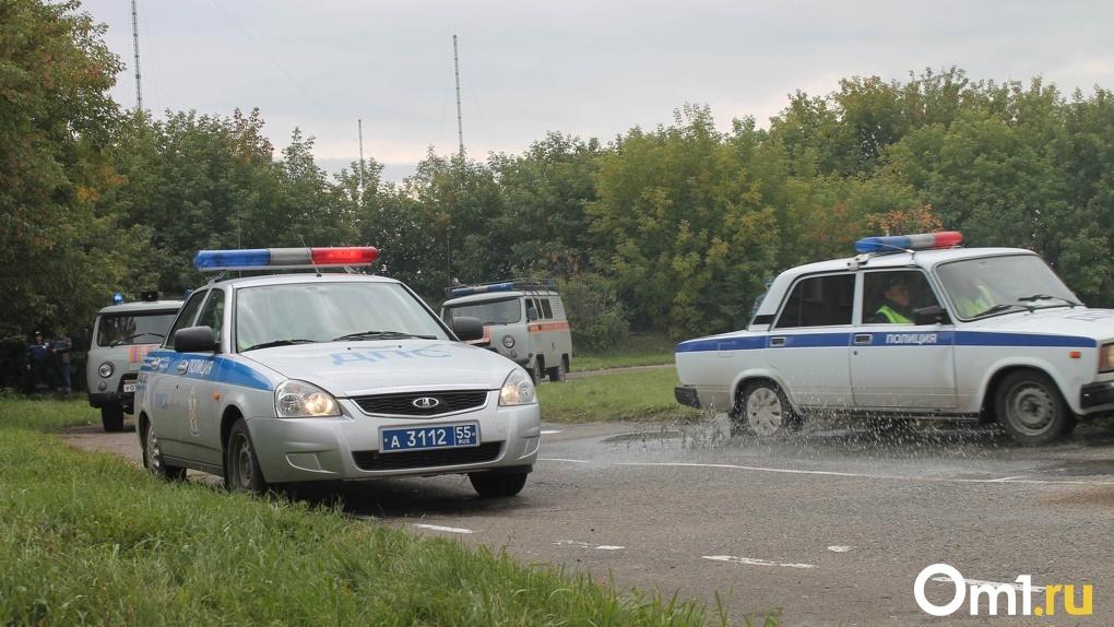 В Омской области на пустой дороге насмерть разбился водитель УАЗа