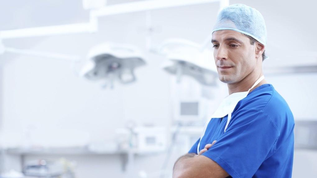 Кто самый богатый? Названы самые высокие зарплаты новосибирских врачей