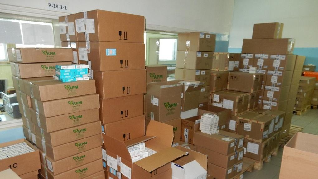 80 000 упаковок «Арбидола». В Омск прибыла крупная партия противовирусных препаратов и антибиотиков