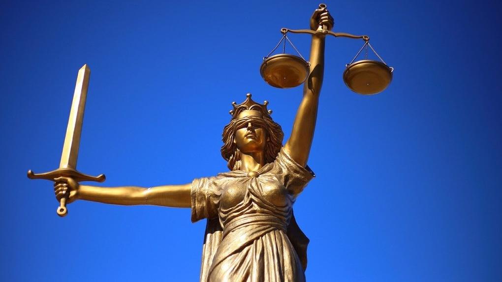 Судья заявил самоотвод в деле о лишении мандата депутата новосибирского горсовета Евгения Яковенко
