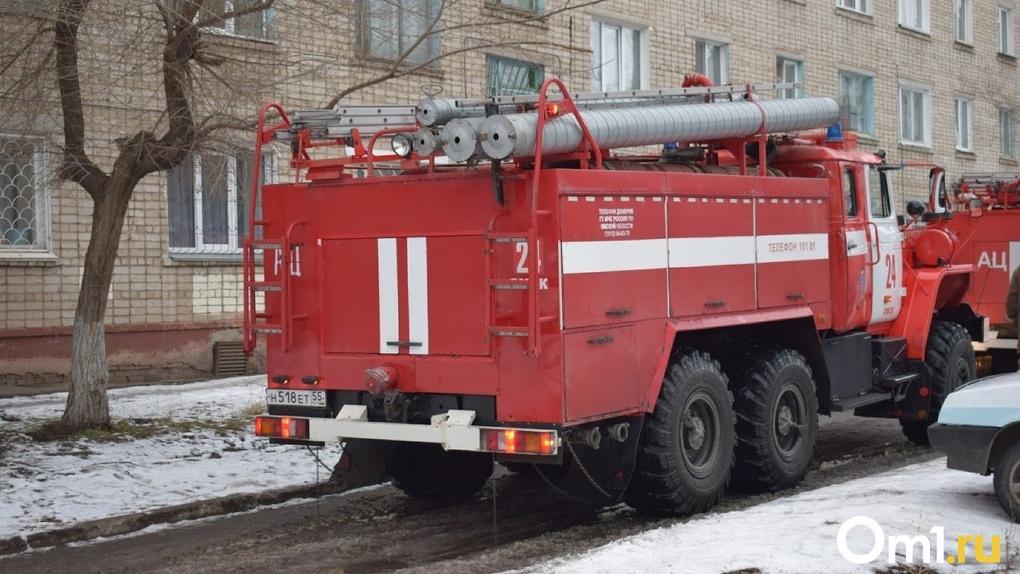 Из Омска пытались контрабандой вывезти пожарную машину