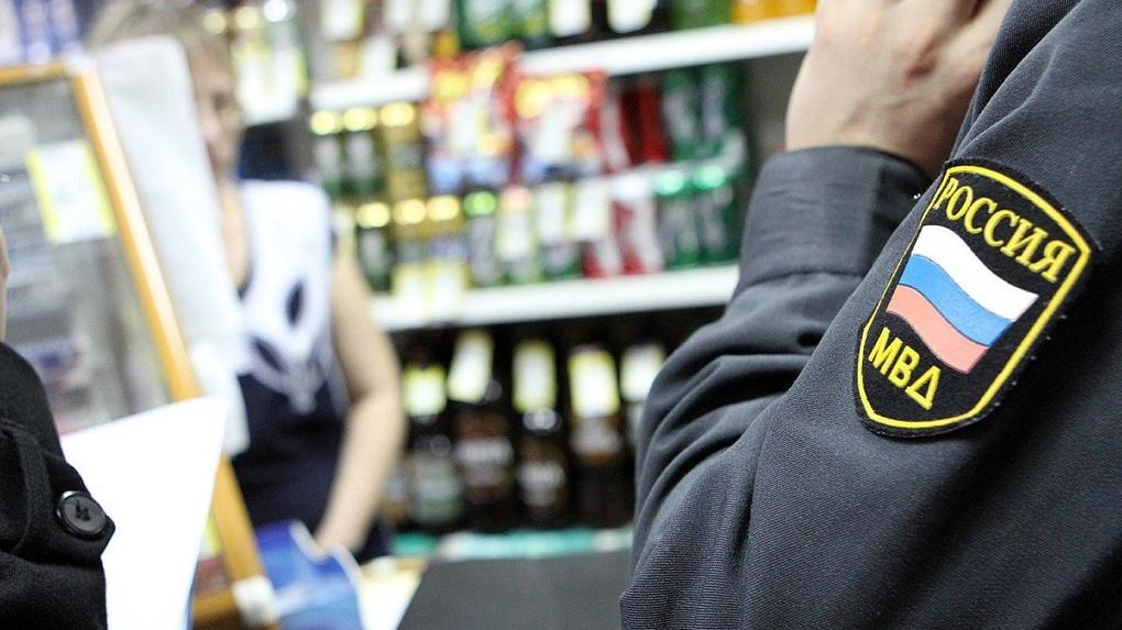 Омичку оштрафуют на 50 000 рублей за продажу контрафактного алкоголя