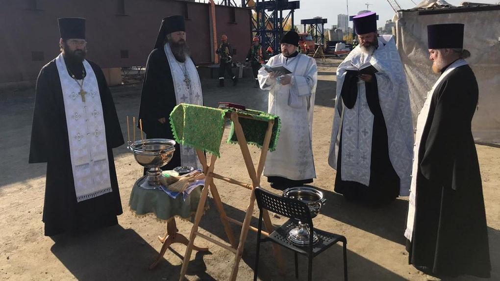 Святой дух призвали на помощь в строительстве четвёртого моста через Обь в Новосибирске