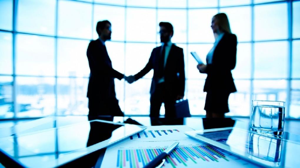 Омские предприниматели смогут заказать наличные онлайн в ВТБ