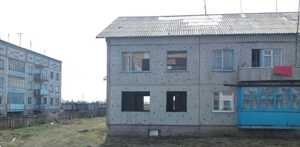 Жительница села в Омской области «прикрепила» к своей квартире иностранку
