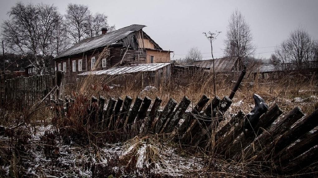 Неизвестные злодеи разгромили дачи в Омской области