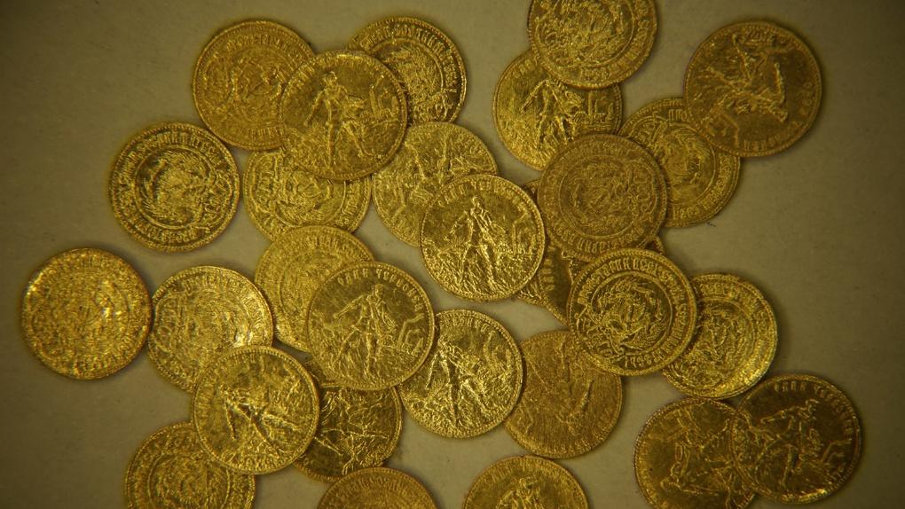 Новосибирец намерен попасть в книгу рекордов Гиннеса за создание самой маленькой монеты в мире