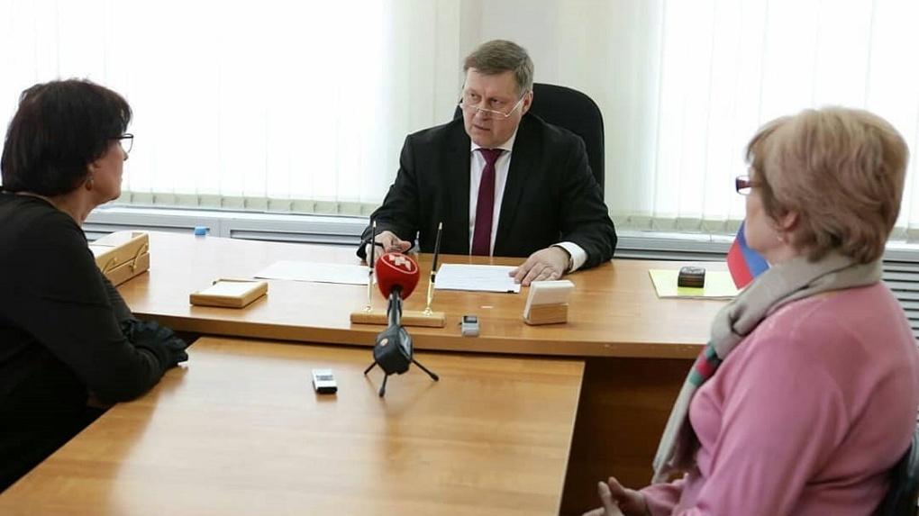 Мэр Новосибирска ответил на предложение пожить в доме со всеми неудобствами