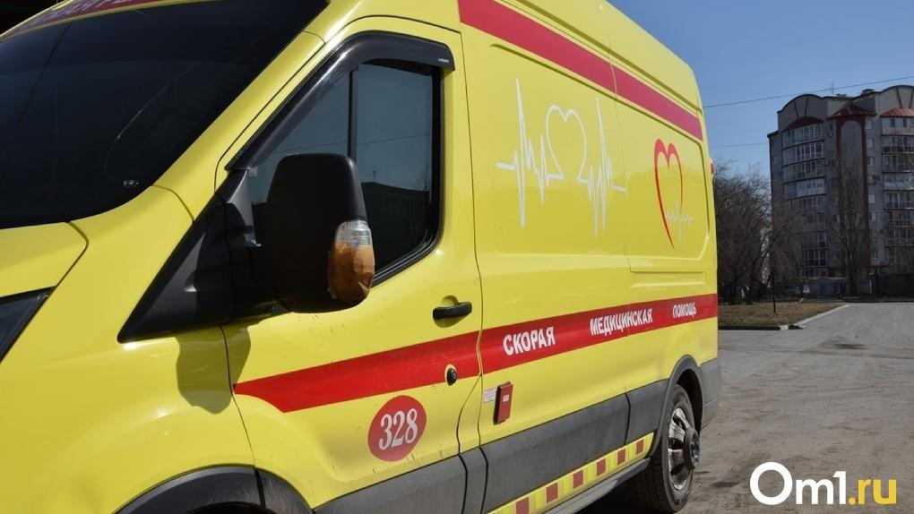 Как в Омске. Спустя полгода ещё одного пациента скорой с коронавирусом привезли к чиновникам