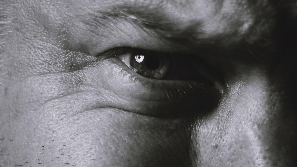 Омич отсудил 400 тысяч рублей за травму глаза, полученную шесть лет назад