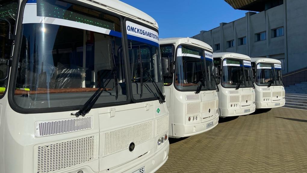 В Омск завезли еще 10 экологичных автобусов (видео)