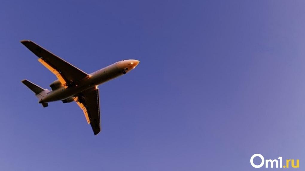 Прямые рейсы из Омска за границу вновь перенесли. Ещё на месяц