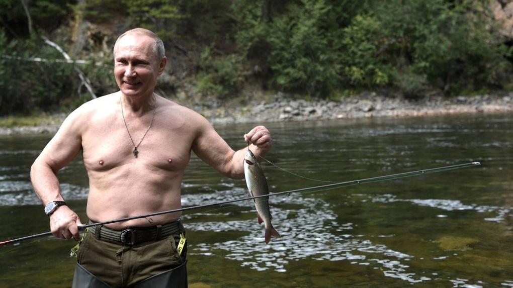 «Это уже отклонение от нормы»: профессиональные фитнес-тренеры — о голом торсе Владимира Путина