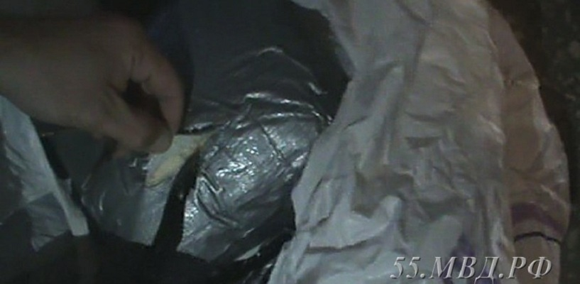 В Омске поймали 17-летнего рецидивиста с наркотиками на 20 миллионов